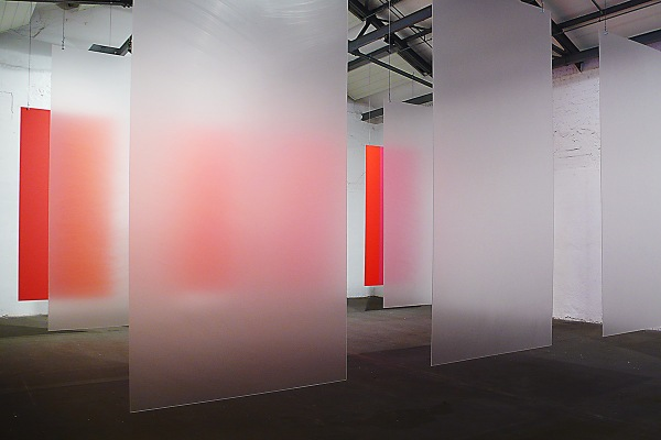 Rauminstallation, site specific installation, Lufttöne, 2009, Acrylglas, Aluminium, Lackfarbe / acrylic glass, aluminium, laquer, 500 x 1200 x 900 cm, exhibition view: Künstlerzeche Unser Fritz 2/3, Herne