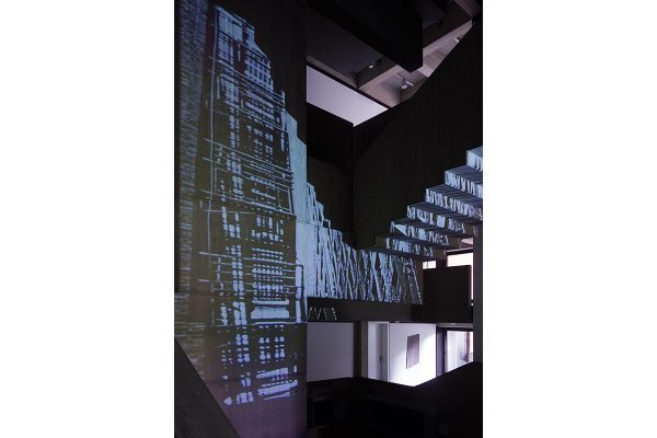 Rauminstallation, site specific installation, the virtual in the concrete, 2015 Projektion / Projection, 1000 x 650 cm, exhibition view: Clemens Sels Museum Neuss, 2015