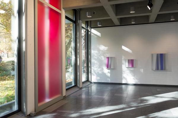 Rauminstallation, site specific installation, ANSCHEINEND, APPARENTLY, 2015, mixed media, 450 x 170 x 22 cm (Innenansicht)