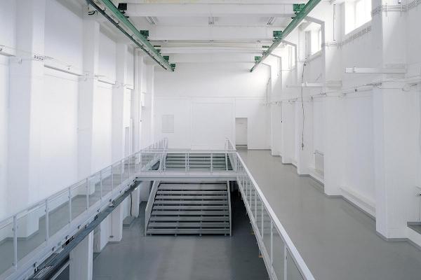 Rauminstallation, site specific installation, Rotlichtbezirk / redlight district, 2002, mixed media, 102 x 1430 x 440 cm, & 102 x 740 x 440 cm, LVR-LandesMuseum Bonn