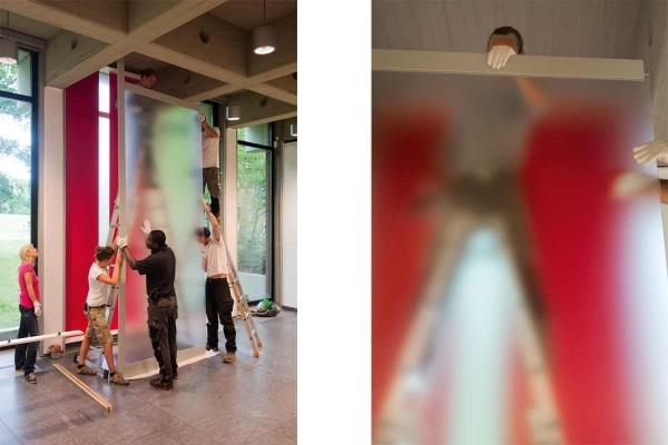 Rauminstallation, site specific installation, ANSCHEINEND, APPARENTLY, 2015, mixed media, 450 x 170 x 22 cm (installing the artwork)
