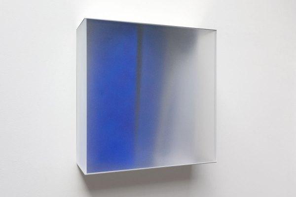Rita Rohlfing, Color Space Object, blue space, 2010, Acrylglas, Aluminium, Acrylfarbe, 65 x 65 x 21 cm