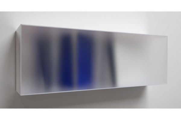 Rita_Rohlfing_28_17_BlueWhiteColorSpace_40x120x22cm_DSC04550_retHome