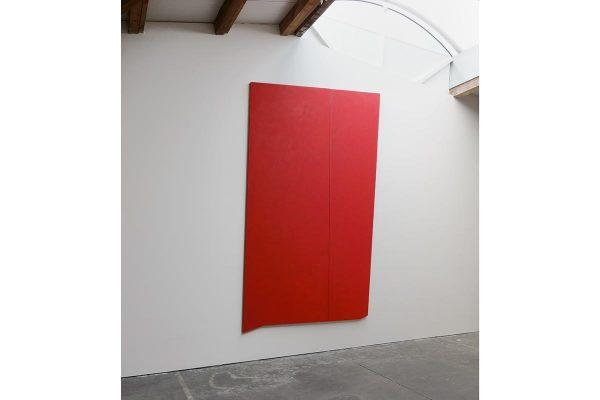 Rita Rohlfing, Shaped Canvas, Monochrome Painting, R.o.T.,1992, Öl und Acryl auf Leinwand, 360 x 222 cm