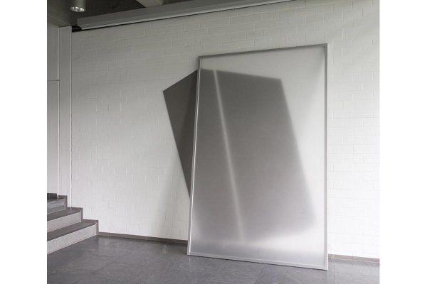 Rita Rohlfing, Installation Art, AMBIVALENZ, 2004, Acrylglas, Profile, Aluminium, Lackfarbe, 310 x 259 x 52 cm