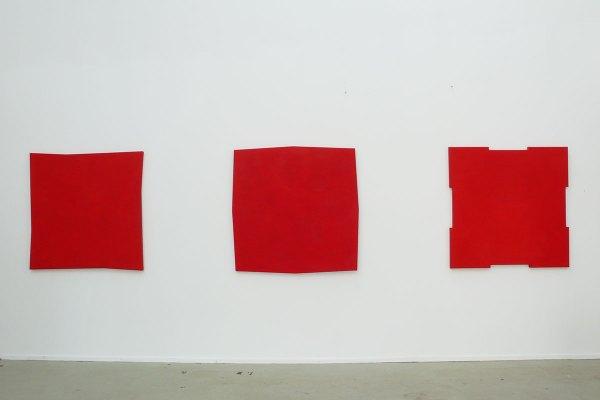 Rita Rohlfing, Shaped Canvas, Monochrome Painting, R.o.T., 1994, Serie, Öl und Acryl auf Leinwand, je 120 x 120 cm