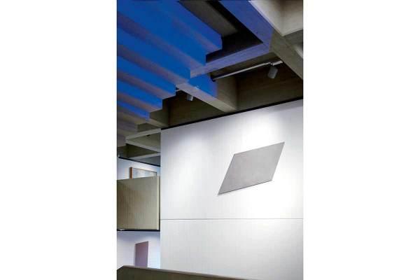 Rita Rohlfing, metallica, 2015, Aluminium, Lackfarbe, 95 x 160 x 2 cm, exhibition view: Clemens Sels Museum Neuss